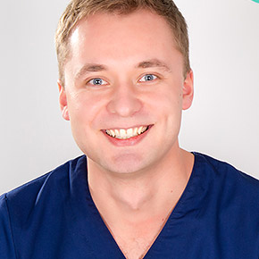 Chirurg Tomasz Kowalski